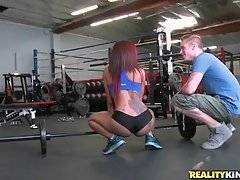 Awesome Toned Ebony Does Her Workout 1